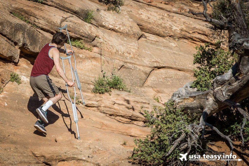 Für den Canyon Overlook Trail nimmt mancher Wanderer unglaubliche Strapazen auf sich ;-)